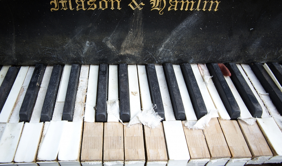 piano-old